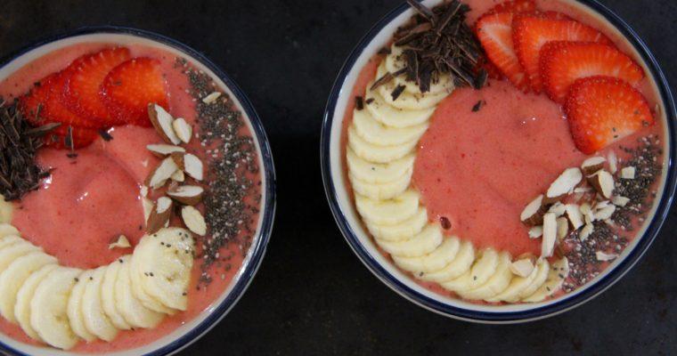 Smuk smoothie bowl med jordbær